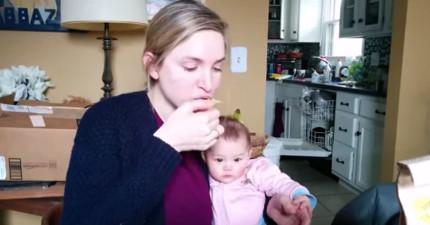 每當這個媽媽咬一口洋芋片,寶寶做的事情也會讓你忍不著跟著一起笑!