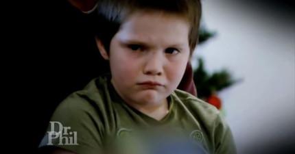 這個男孩貌似純真無邪,但他生父母的可怕基因讓他有一個幻想朋友不停唆使他刺殺自己的養父母...