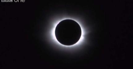 完整記錄歐洲罕見日全蝕變化過程。月亮周圍散發紅光時真是太魔幻了!