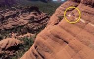 這位極限車手要來挑戰近乎垂直的山壁,一分一秒都讓你看得忘記要呼吸!
