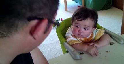 這位滿臉飯粒的寶寶很專心想要聽爸爸的教訓,但同時卻完全敵不過強勢來襲的睡魔。到最後爸爸都受不了笑出來了!