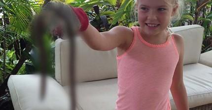這家人在家中發現的1公尺的地底巨獸 (不是蛇),證明澳洲真的是最野生驚悚的地方!