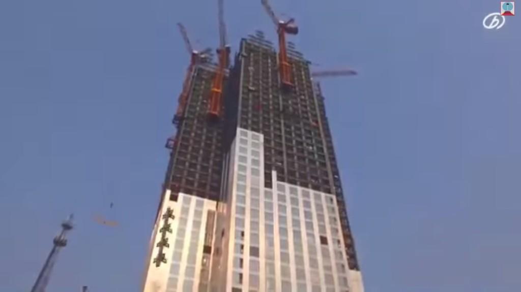 這就是傳說中的「中國速度」!看到他們怎麼在19天搞定57層樓大樓會讓你想要跪倒在地上。