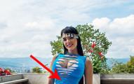 女模特兒每天23小時都穿束腹,過了6年...看起來真的太極端了!