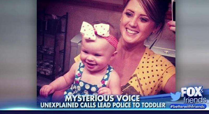 在這場車禍當中,有個18個月大的寶寶Lily,被困在翻覆於冰冷河中的車子裡,而她的媽媽25歲的媽媽Lynn Groesbeck已經不幸身亡了。