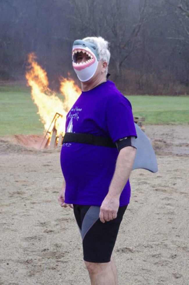 這隻鯊魚偽裝得真好啊!我都看不出來這是偽裝的呢!