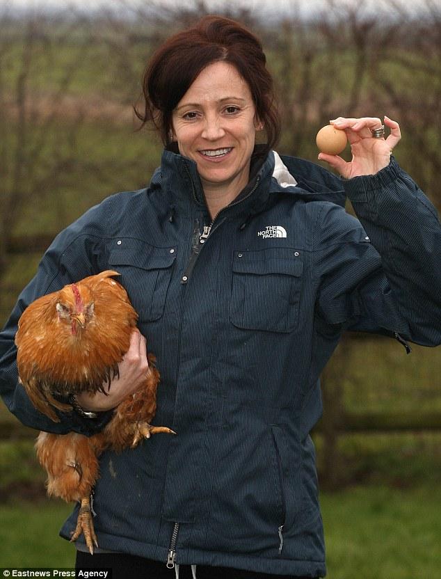 這隻雞生下了僅10億分之一機率的「完美蛋」,一顆價值瞬間飆升至2萬天價!