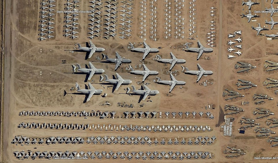 一名網友在看Bing地圖的時候,竟然發現到這個不為人知的軍事「墓園」!放大看更是不可思議!