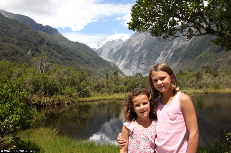 這對父母存了9年錢讓兩個女兒不用去上課一年「環遊世界36個國家」!拍的照片讓人太嫉妒了!