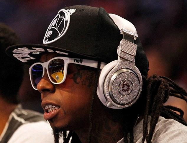 專業耳機設計師表示:你花上千上萬買的Beats耳機,實際成本根本超低!