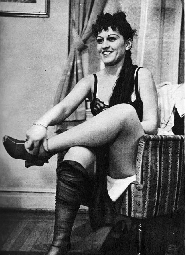 80年前的「人妻脫衣學校」會讓現代女性看得氣到口吐白沫!