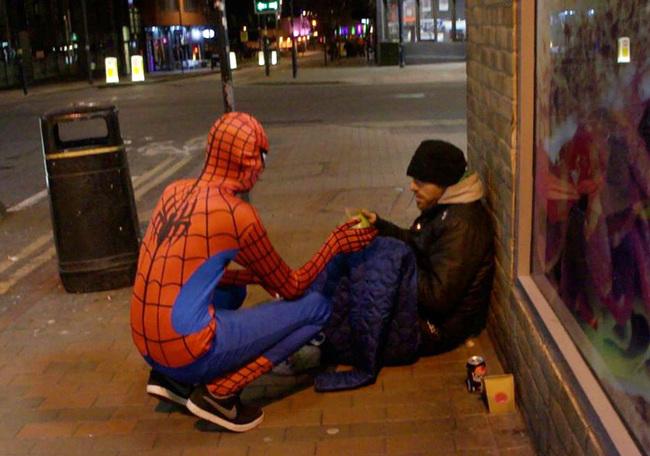 這個平凡的蜘蛛人沒有任何超能力,但他所做的事情絕對是超級英雄等級!
