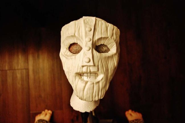 這名母親到哪裡都找不到她的兒子想要的《摩登大聖》面具。結果她自己DIY出來的跟電影裡的一樣棒!