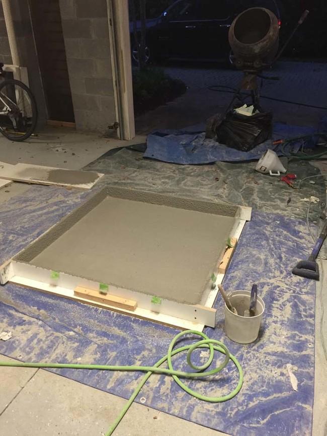 用水泥作為家具感覺應該會格格不入,但這DIY的成果真的太完美了!