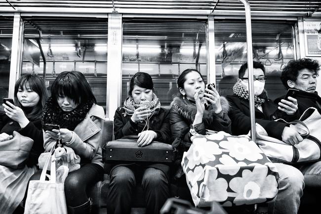 4. 你現在可能正在滑的手機,會比廁所的細菌多上10倍。