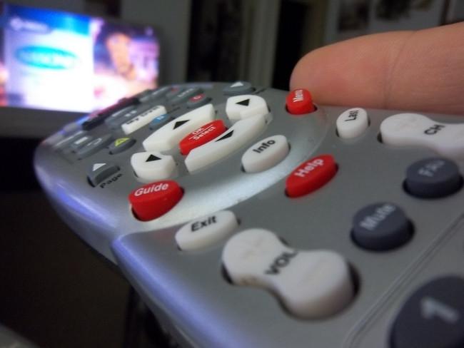8. 但是呢...電視遙控器可能是你最髒的東西。