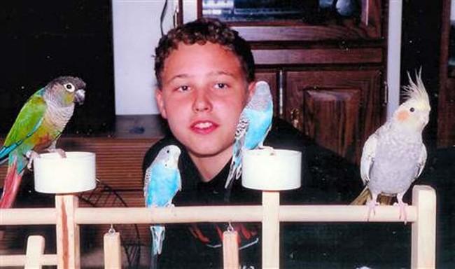 6個未滿18歲的「史上最冷血兒童殺人犯」。12歲女孩殺死弟弟時還說...