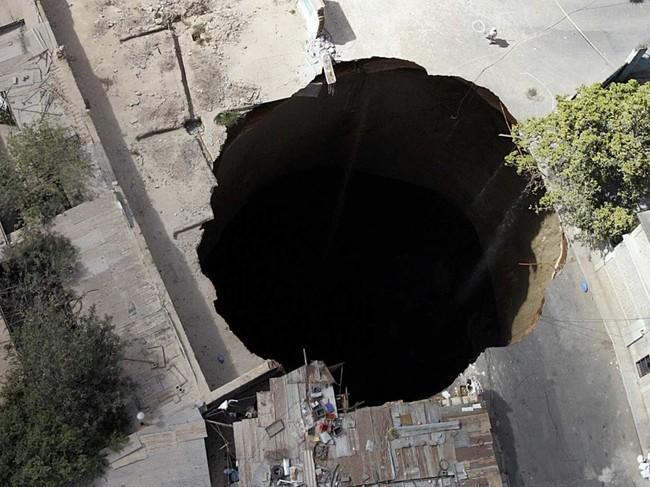 6個全球最不可思議的洞,會讓你相信外星人其實藏匿在地心...