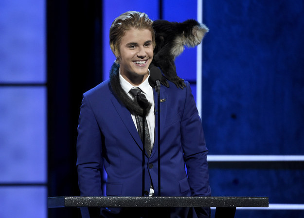 Appearing on stage with his long lost pet monkey, Bieber finally had a chance to hurl some zingers of his own.