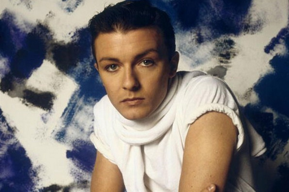 Ricky Gervais is 80's chic.
