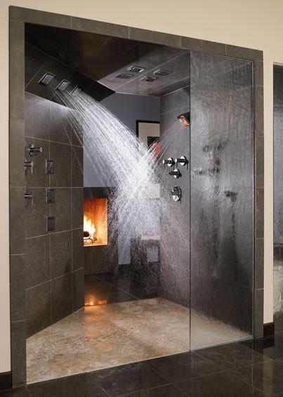 交叉式水柱!不管是自己洗或和情人洗鴛鴦浴都很適合!
