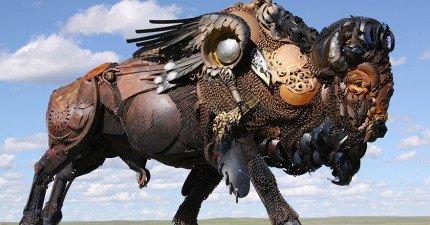 這名雕塑家把一些老舊的農業設備改裝成這些絕美的雕塑品。