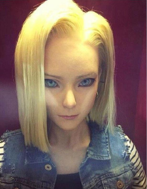 在日本有一名網友拍到《七龍珠》人造人18號的1:1真人版。近看面容跟我想像中的完全一樣!