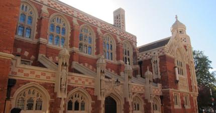 英國劍橋大學地底挖出1000具屍骨遺骸,揭露曾經黑暗的歲月!