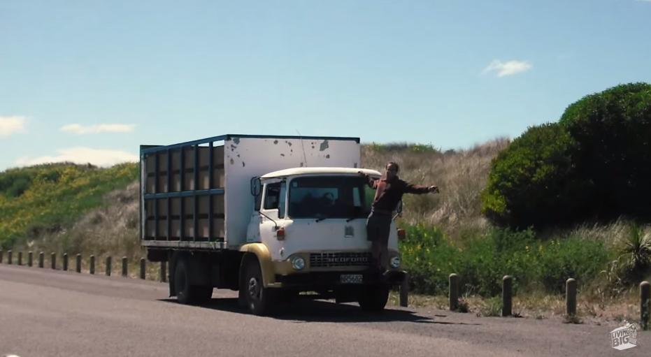 他們將一台卡車改造成一座城堡,裡面寬敞精美的設計讓人完全忘記這是一台車!