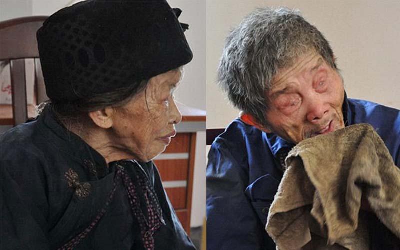 因為結婚時的一句承諾,駝背妻子以竹竿牽著失明丈夫一牽就是30年。