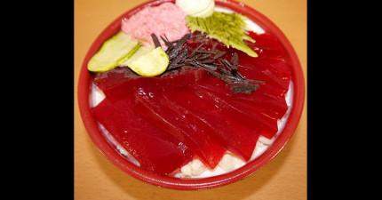 這碗生魚片丼不但是甜的,而且下面還藏著會讓你口水流到缺水的東西!