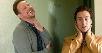當異性戀者都沒有在看時,同性戀者碰到對方時都會做這些超爆笑的事情。