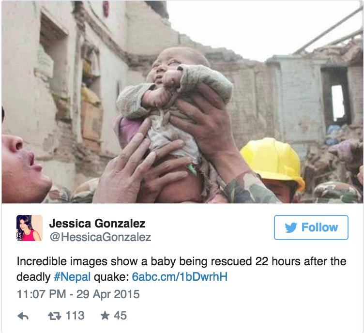 尼泊爾大地震22小時後人們在瓦礫堆下聽到哭聲,他們在下面找到了災難後的希望!