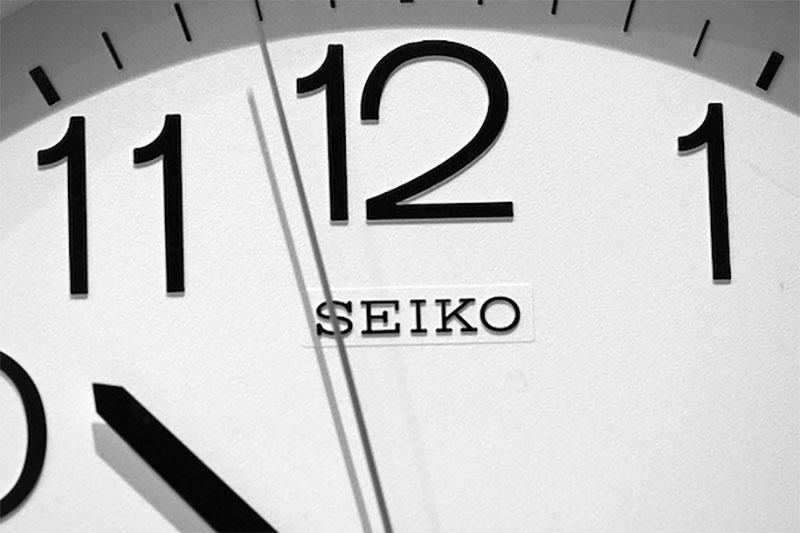 有個網友問了一個所有人都會想要知道的問題:「一台電腦怎麼知道1秒鐘有多久?」