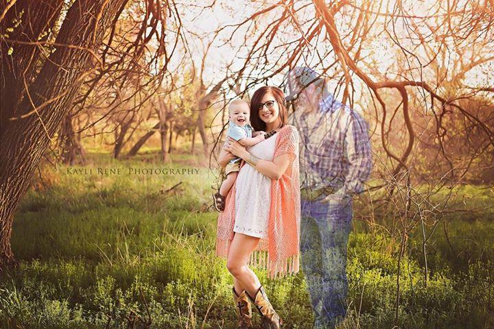 她懷孕8個月時男友意外身亡,於是攝影師幫她完成了這張網路瘋傳的「全家福」照片!