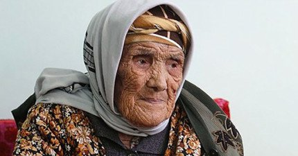這位老奶奶過世時享年135歲...經過確認原來世界上最老的人類是她才對!