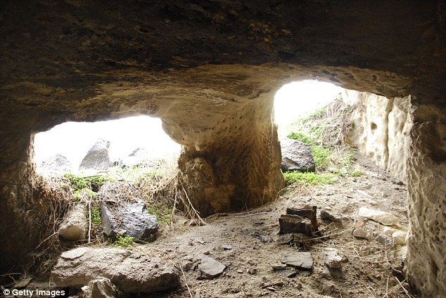 建築工人意外發現土耳其5000年前「傳說中的地下古城」,居然有7公里的地下道和房間!