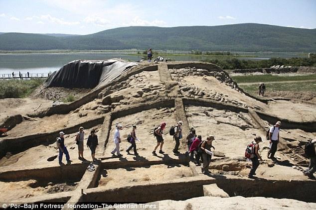 連歷史、考古學家都迷惑,沒有人知道這座1300年的古老堡壘到底是為了什麼原因而存在!