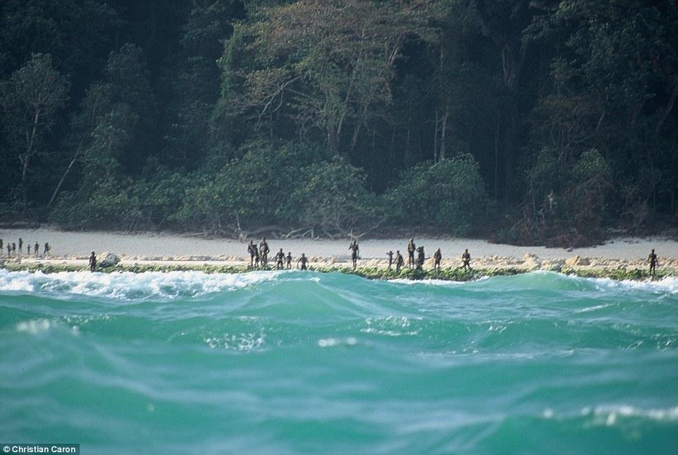 這座神祕小島可能世上最美,但你一到附近就會被立刻殺死!