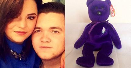 這對情侶在跳蚤市場挖寶時,用460元買到的「紫色泰迪熊」賣掉後竟可以買下一棟房子!