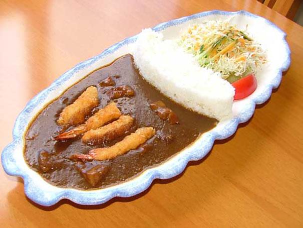 日本咖哩掀起一波「水壩」熱潮,當一潰堤你的口水也會流下來了!