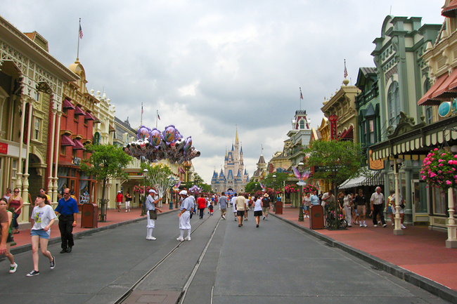 Devices called Smellitizers are strategically placed throughout the park to emit certain scents, such as on Main Street USA, the smell of cookies and vanilla is emitted.