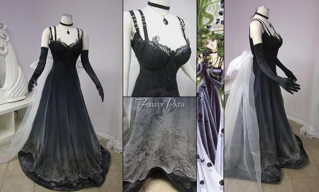 小女孩跟媽媽要求買一台縫紉機 結果媽媽走進房間後被她做出來的衣服嚇壞了