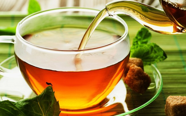 Drinking black tea can aid in reversing the damage of smoking on the lungs.