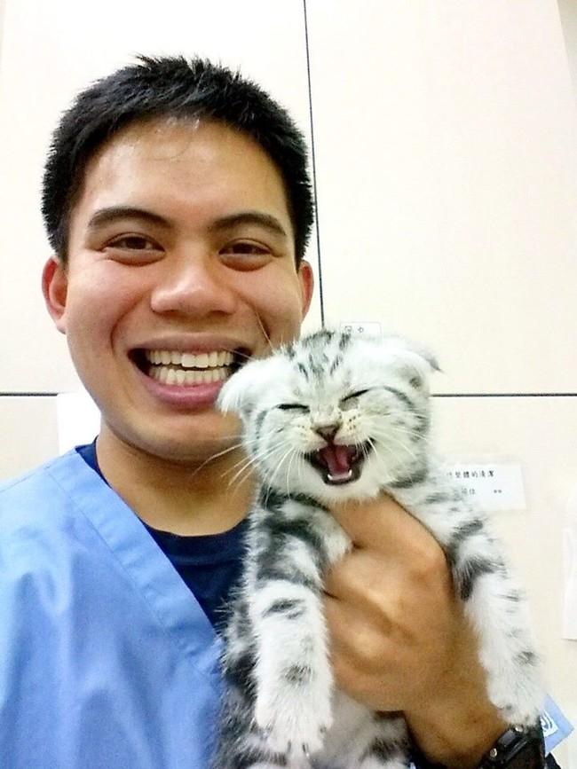 Being a vet must be the <em>best</em>.