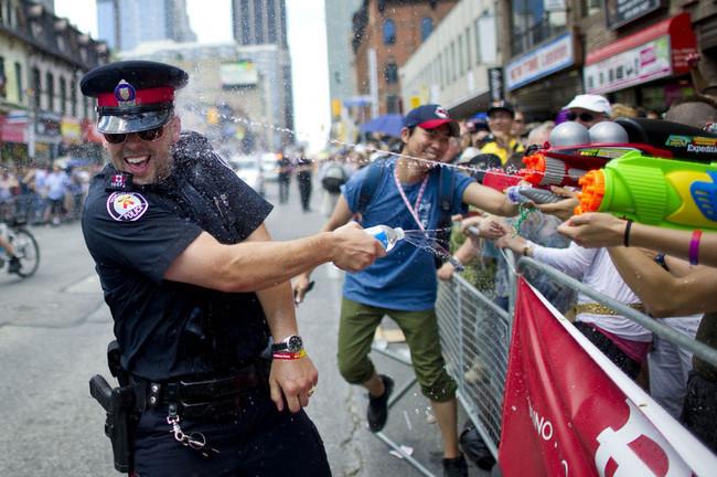 28個在執行公務時卻玩得比其他人還開心的爆笑警察!