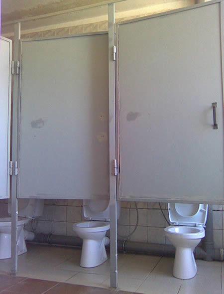 18個會讓人寧願憋到昏過去的莫名其妙廁所設計。#7是在跟我開玩笑嗎?