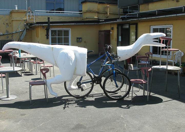 這名男子發明了這輛滿載理念和夢想的恐龍腳踏車,但卻讓很多人很生氣?!