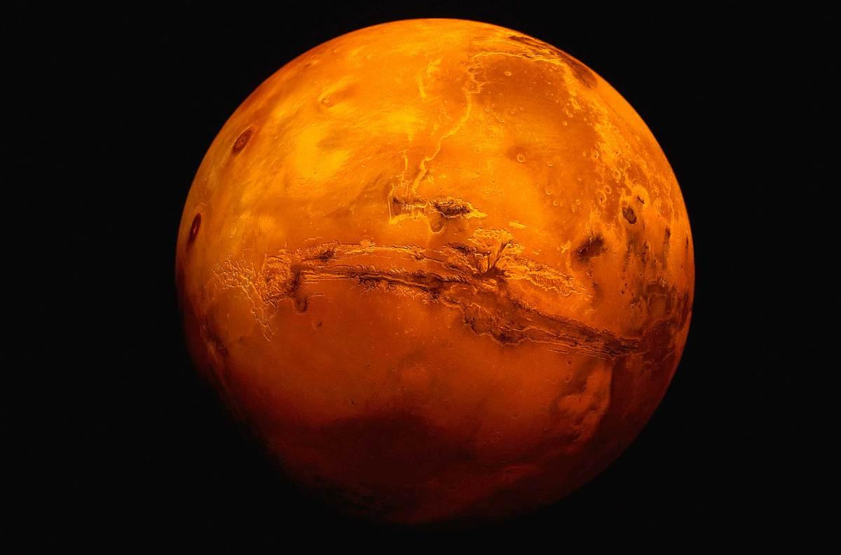 一名學者也表示,最近在火星大氣的研究當中,也找到火星北半球有50%的地方曾經是有1.6公里深的海洋。在同個研究當中,也發現水曾經也存在於火星長達12億年的時間,這段漫長的時間也足以讓火星上頭的生命變得更加複雜。