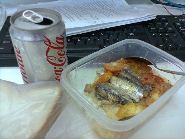 sad-desk-lunch-11